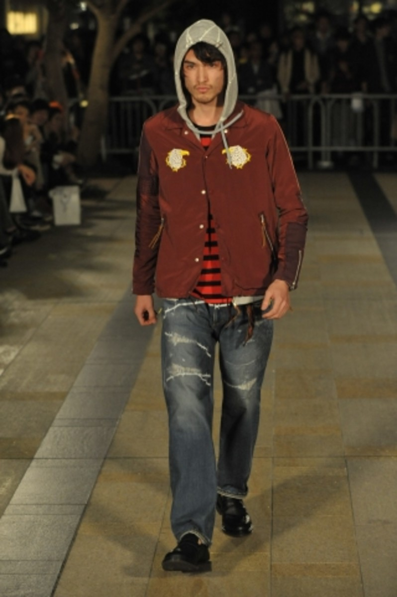 whiz-limited-spring-summer-2012-collection-runway-04