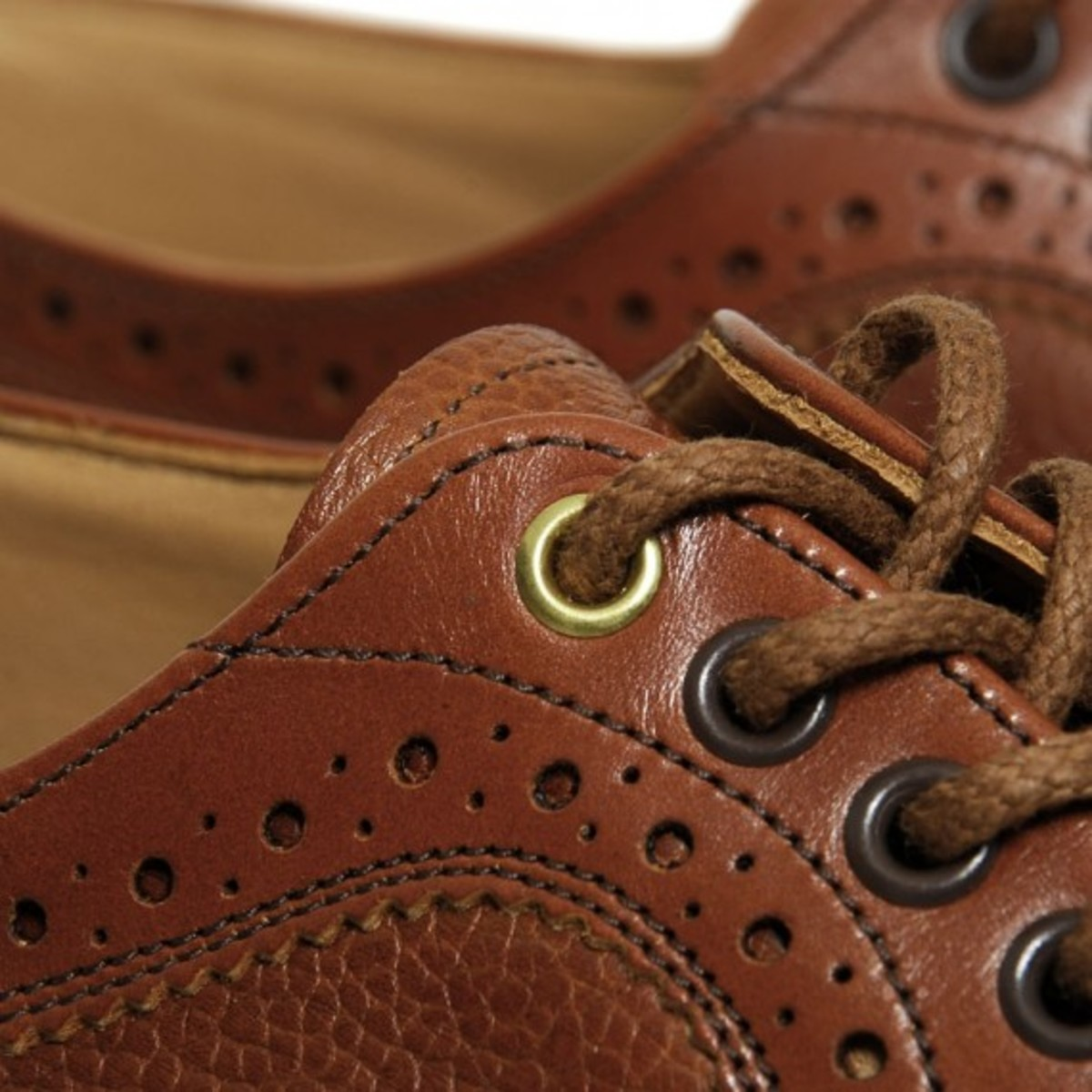 two-tone-long-wing-brogue-15