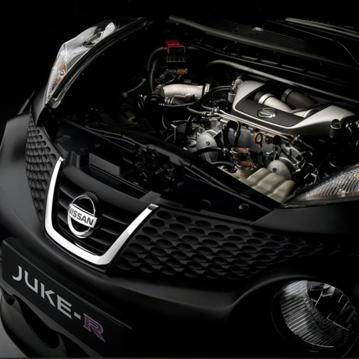 nissan-juke-r-officially-unveiled-11