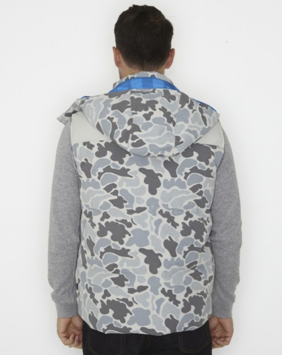 stussy-fall-2011-surplus-collection-scout-vest-02