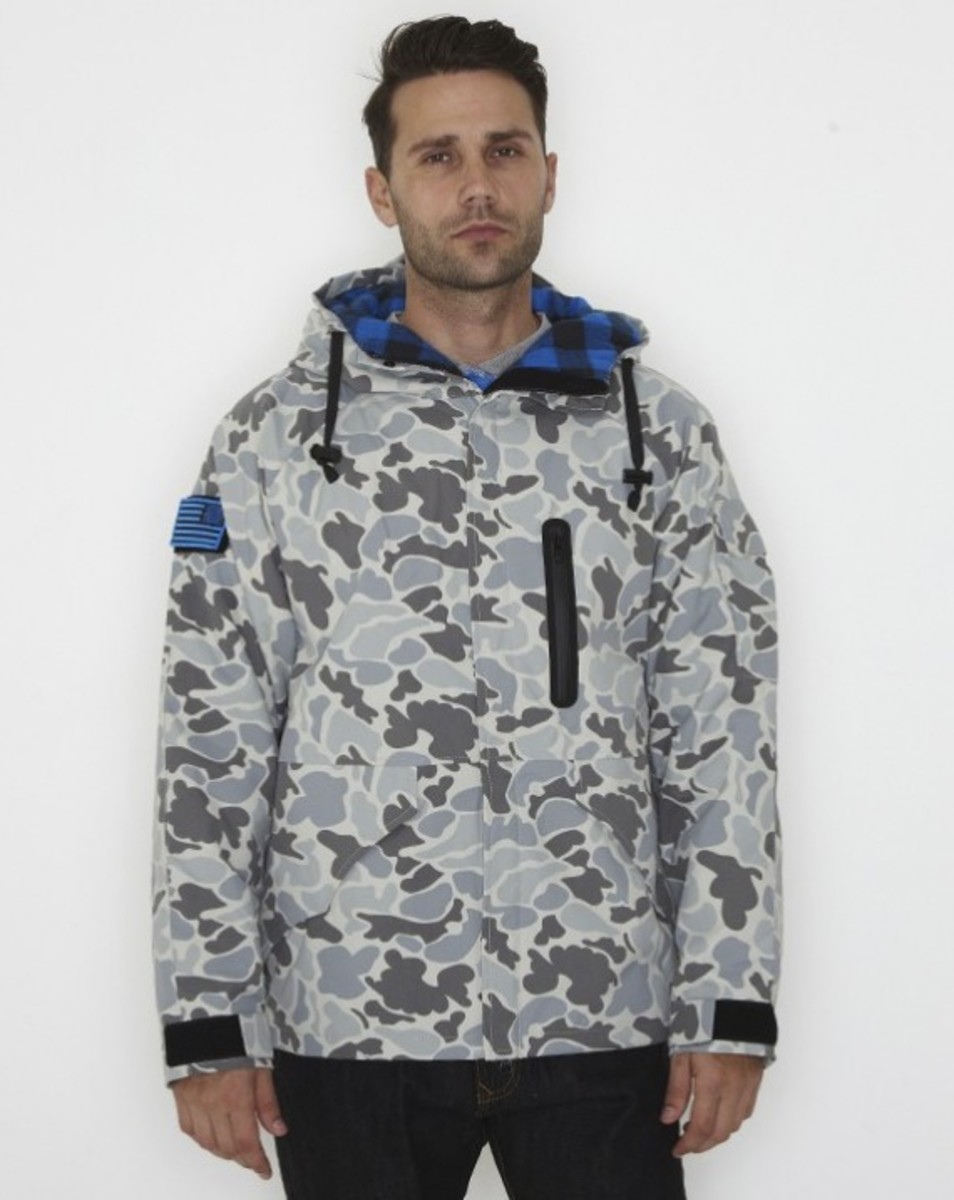 stussy-fall-2011-surplus-collection-field-jacket-01