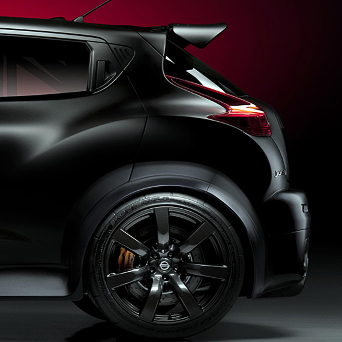 nissan-juke-r-officially-unveiled-08