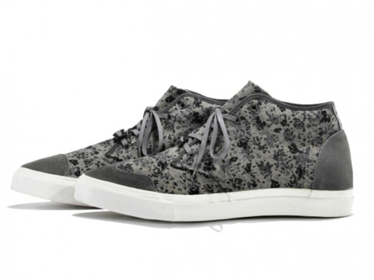 white-mountaineering-flower-camo-print-mid-sneakers-01
