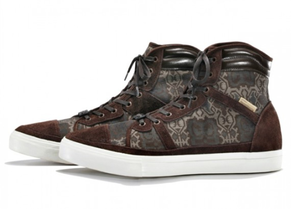 white-mountaineering-cotton-jacquard-batik-hi-sneakers-02