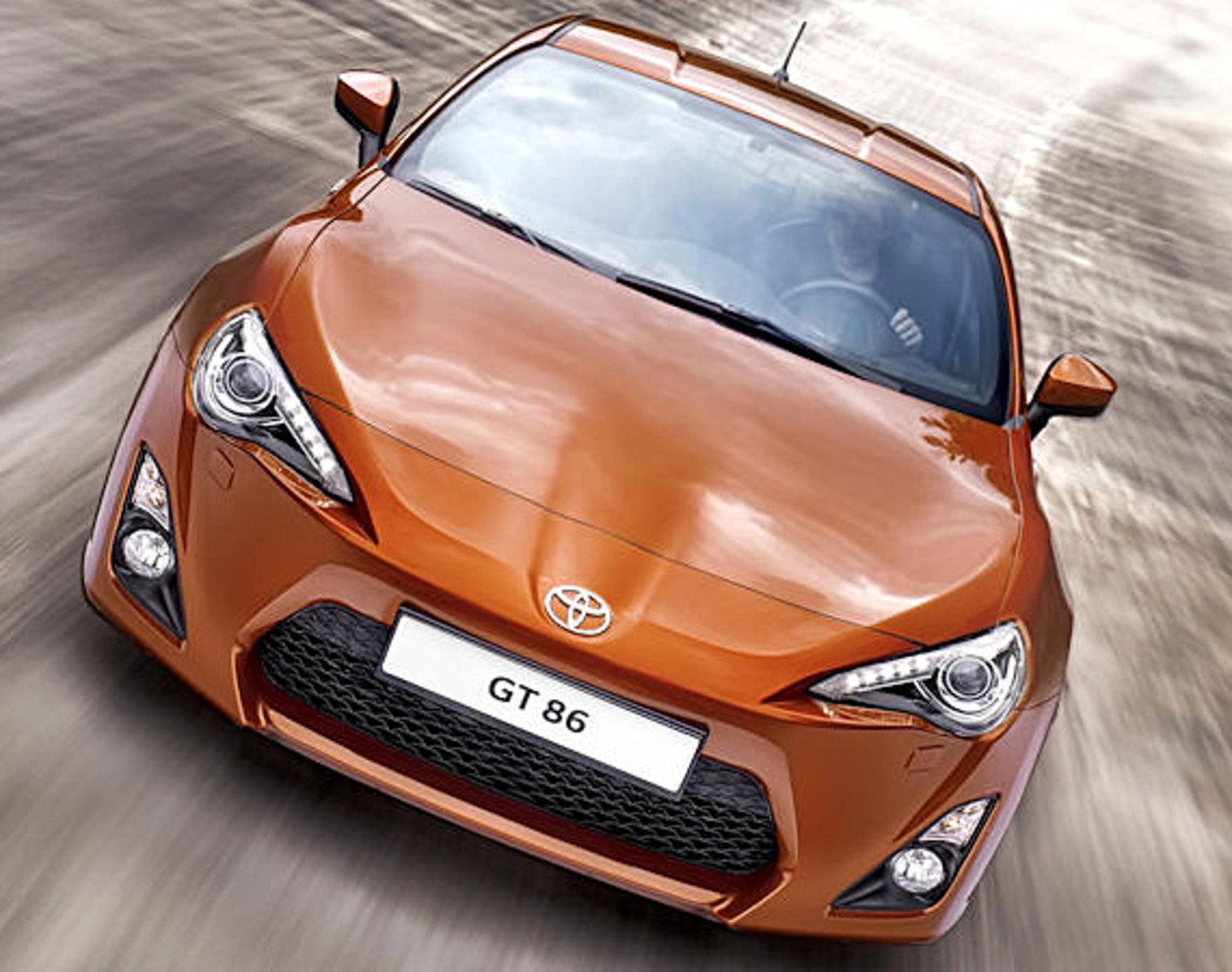 toyota-gt-86-officially-unveiled-00