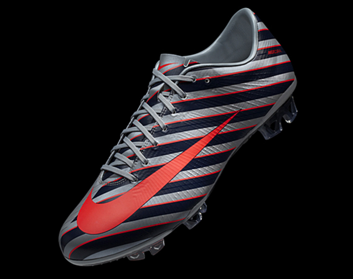 Nike-CR-Mercurial-Vapor-Superfly-iii-12