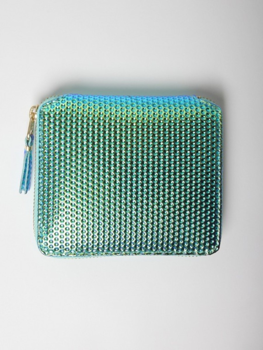comme-des-garcons-christmas-edition-zipped-wallet