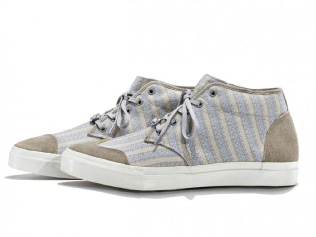 white-mountaineering-cotton-mini-jacquard-mid-sneakers-01