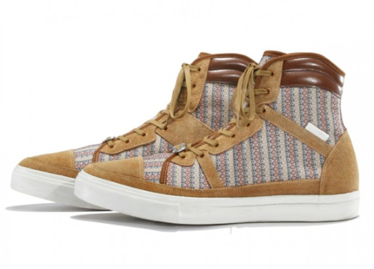 white-mountaineering-cotton-mini-jacquard-hi-sneakers-02