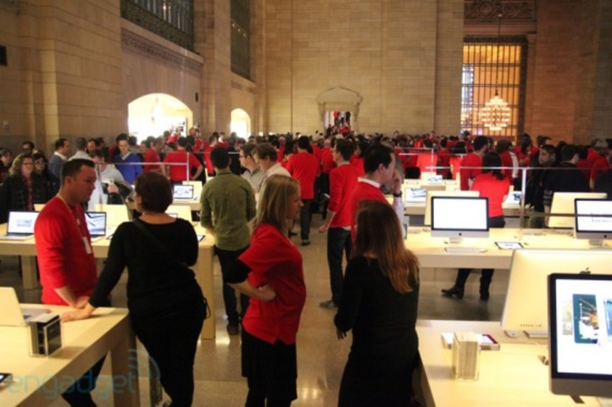 apple-store-grand-central-opening-recap-18