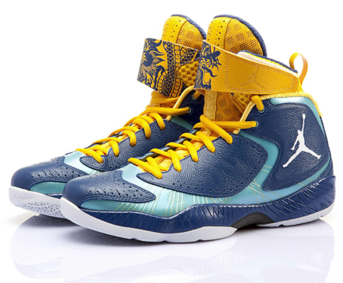 air-jordan-2012-year-of-the-dragon-04