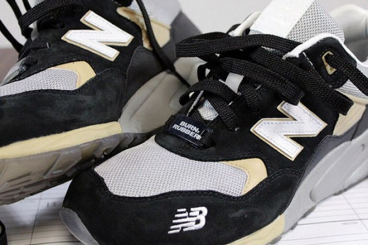 burn-rubber-new-balance-580-workforce-pack-09