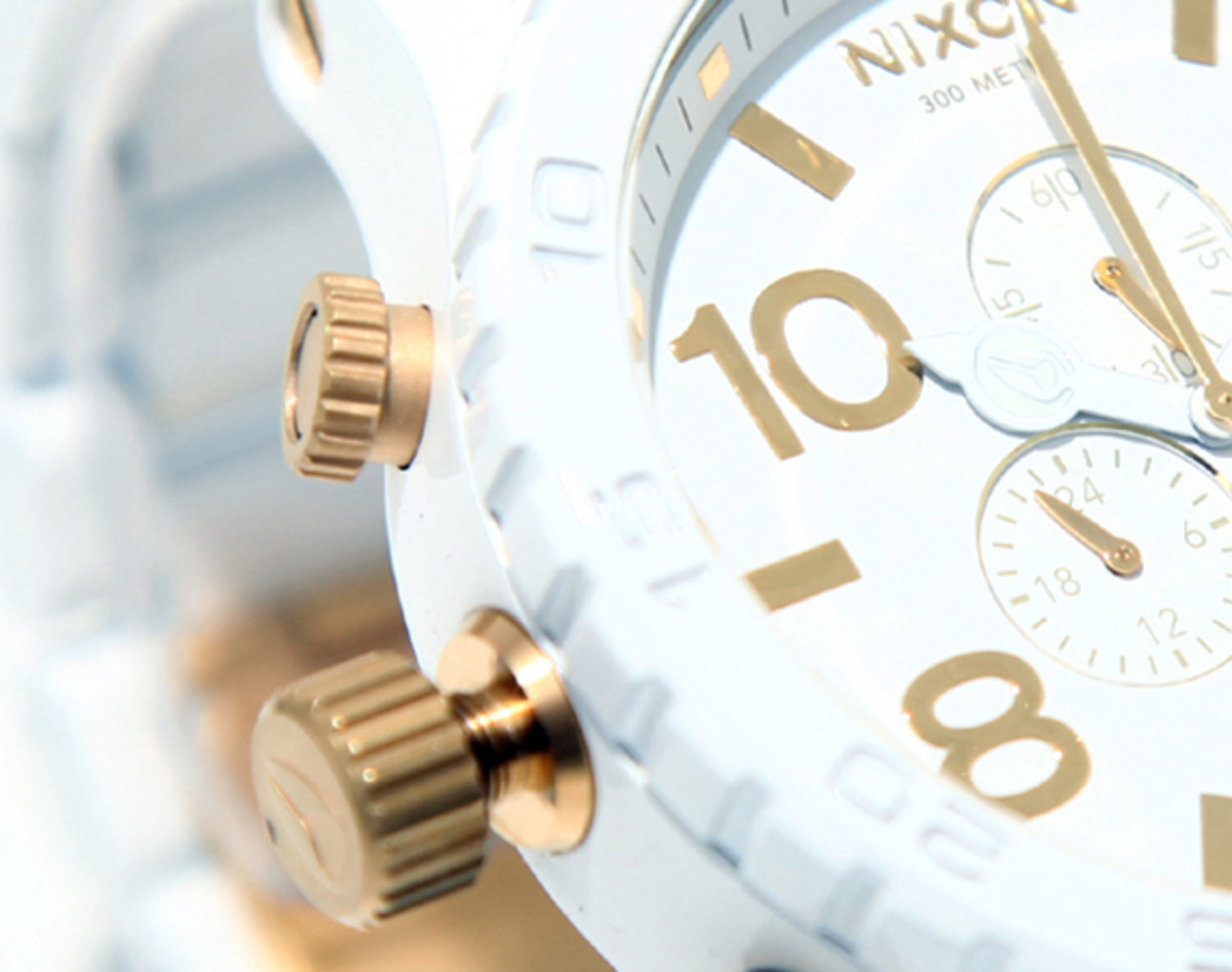 nixon-51-30-chrono-white-gold-04