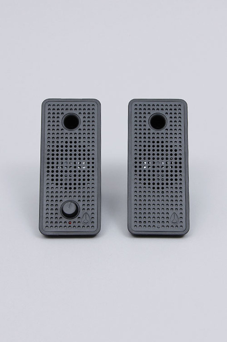 nixon-block-speakers-08