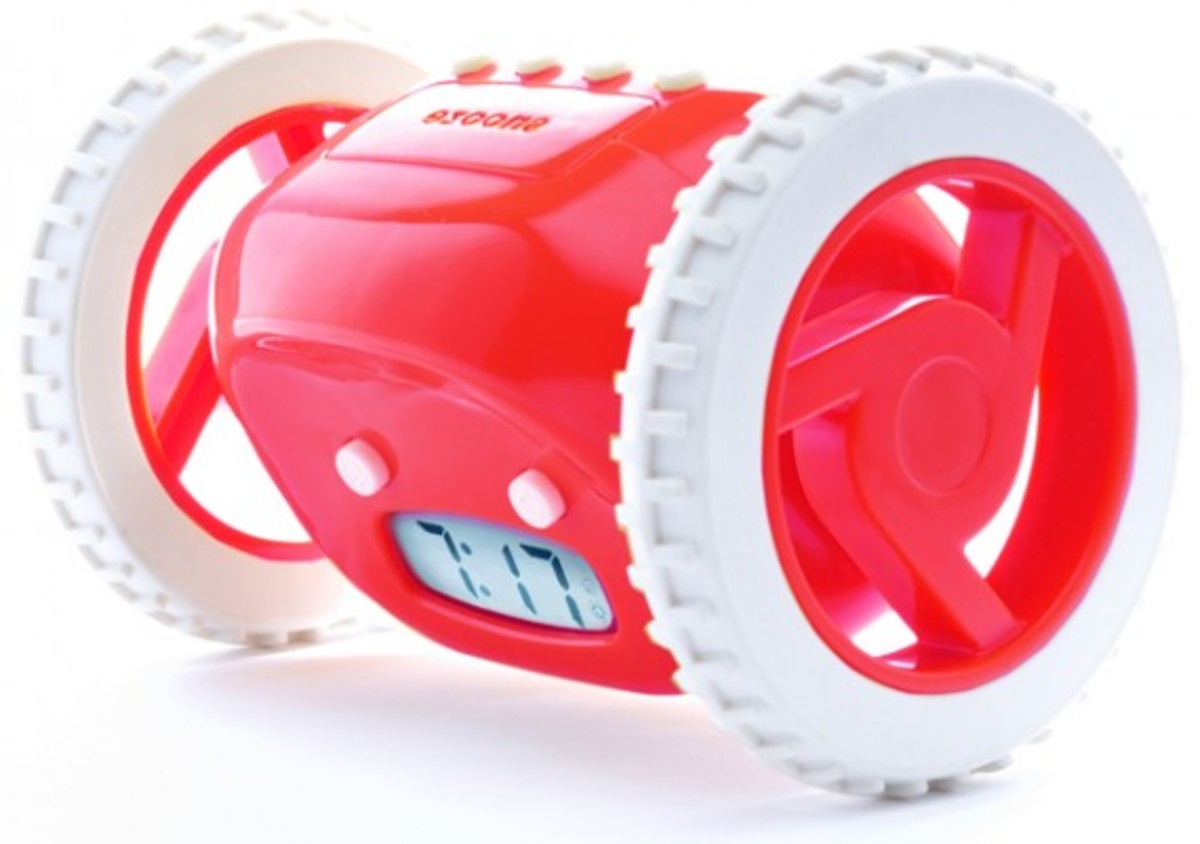 product-red-nanda-home-clocky-alarm-clock-02