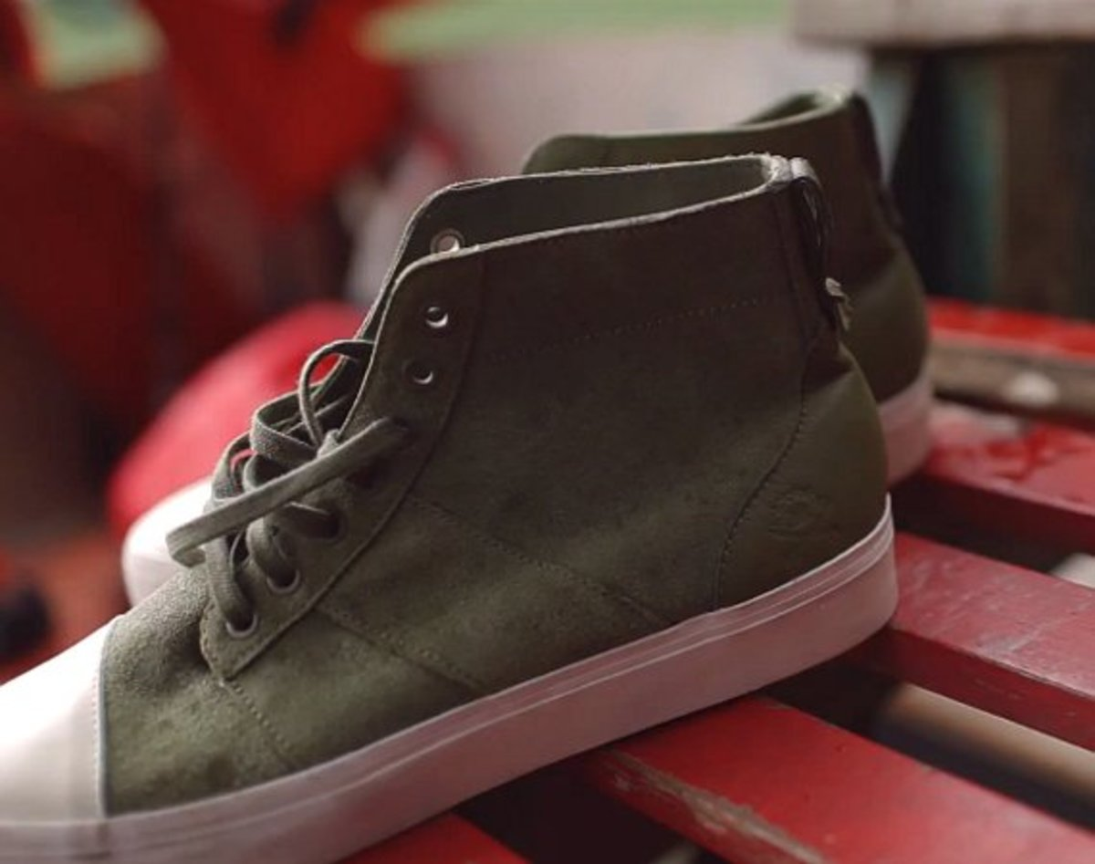 6349f4b599f576 ... collection sees a new addition to the brand s lineup in the form of the  Army Trainer Mid. Inspired by heritage military footwear