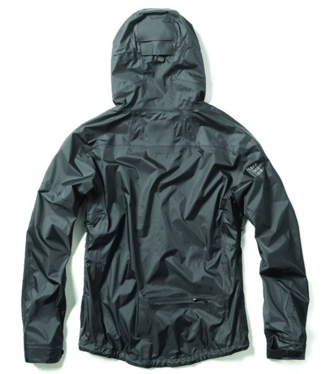 cadence-686-barrier-rain-jacket-02