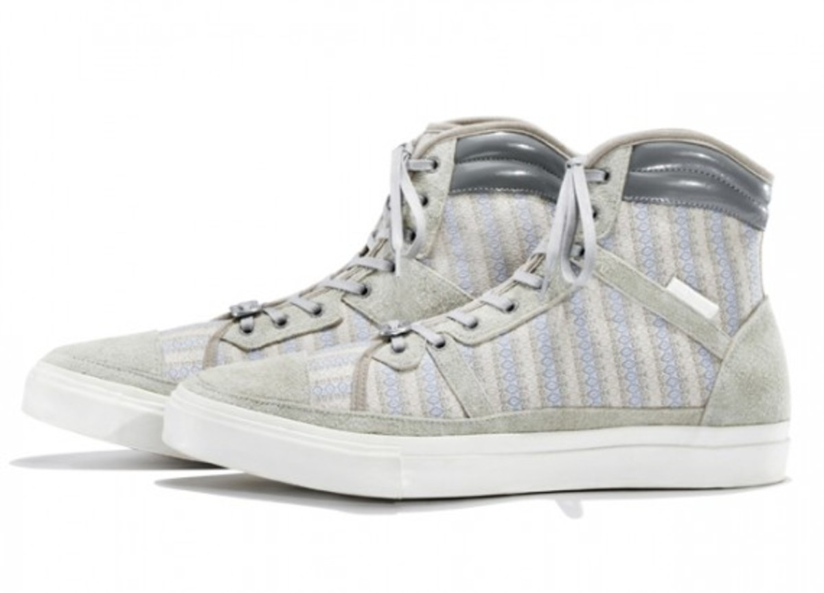 white-mountaineering-cotton-mini-jacquard-hi-sneakers-01