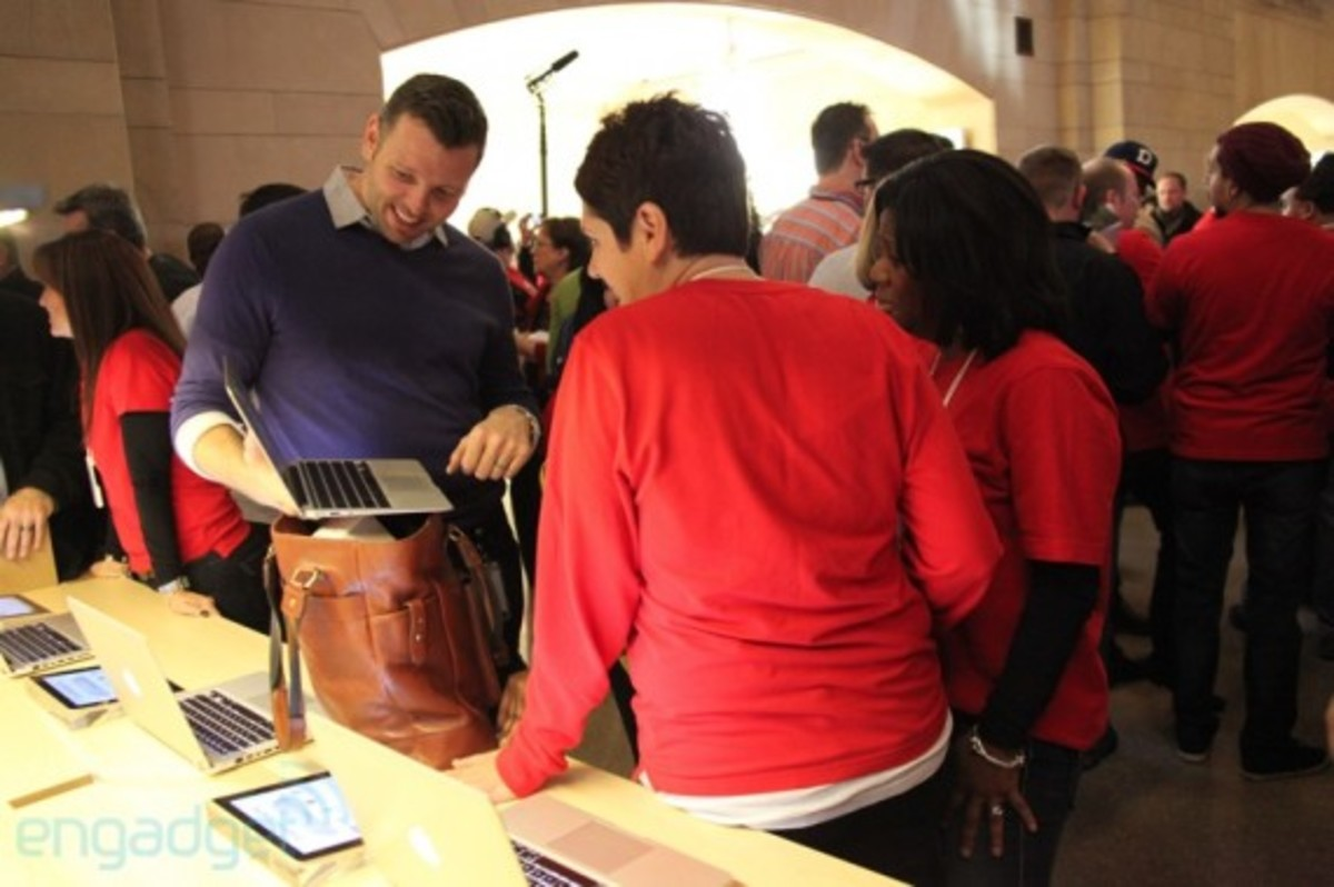 apple-store-grand-central-opening-recap-28