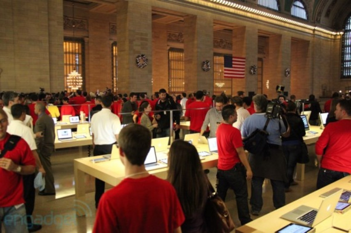 apple-store-grand-central-opening-recap-17