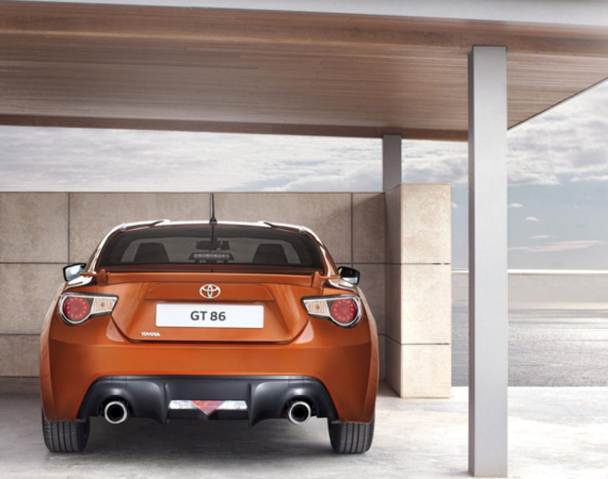 toyota-gt-86-officially-unveiled-09