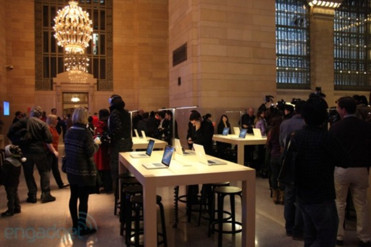 apple-store-grand-central-opening-recap-08