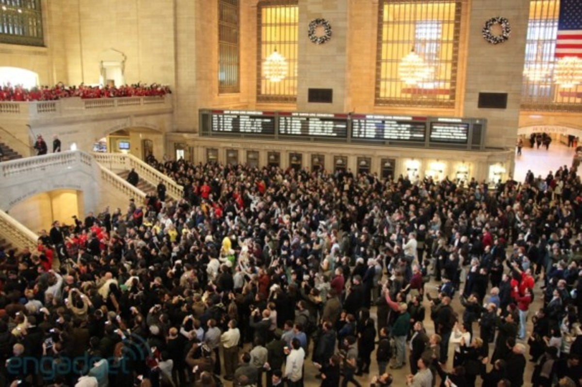 apple-store-grand-central-opening-recap-06