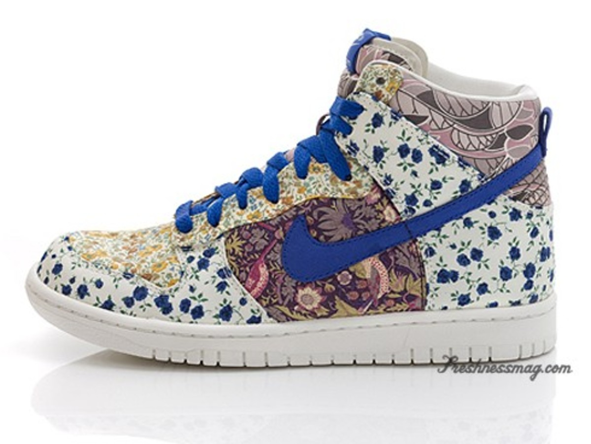 Nike Sportswear - Liberty Fabric Collection - WMN Dunk High