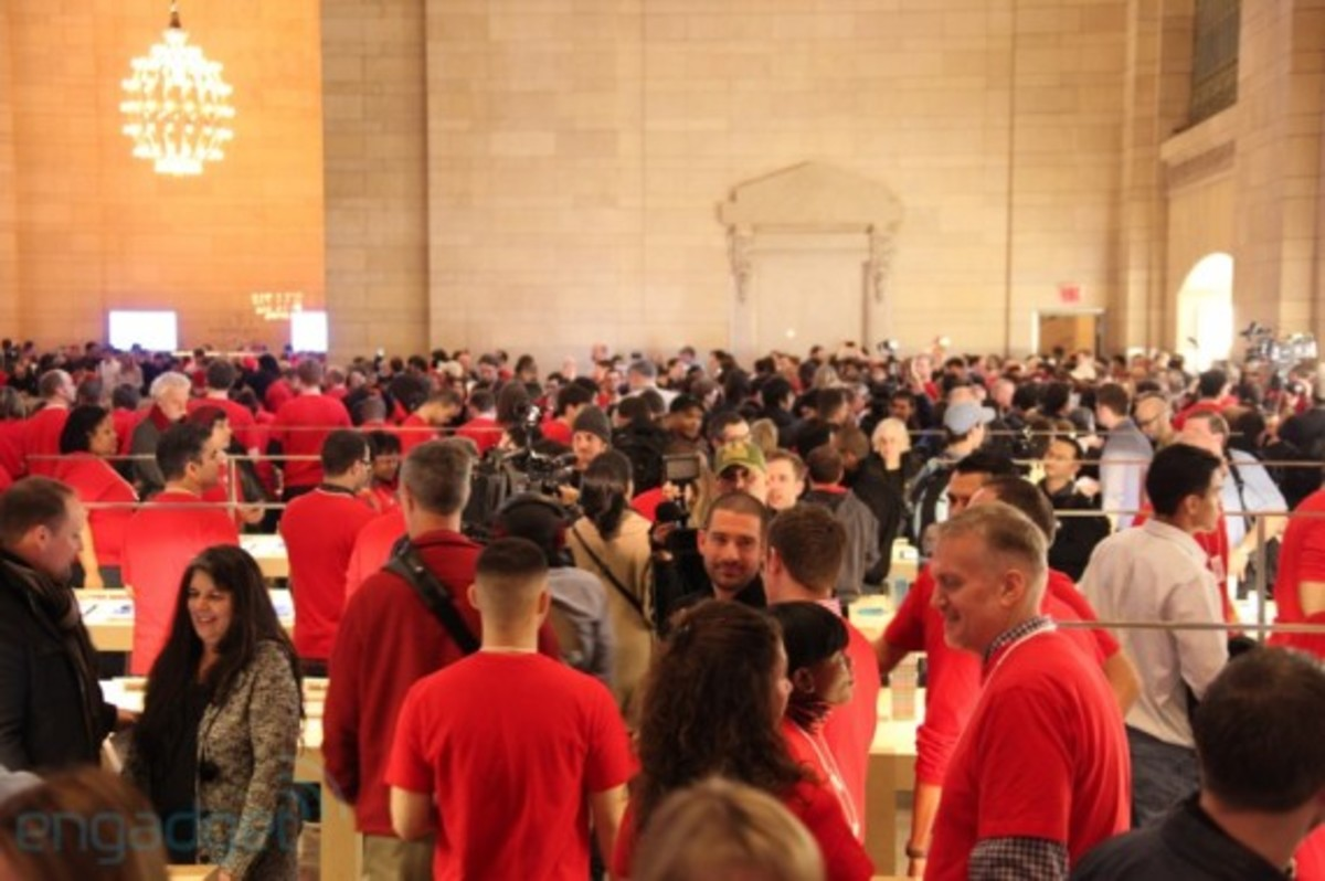 apple-store-grand-central-opening-recap-27