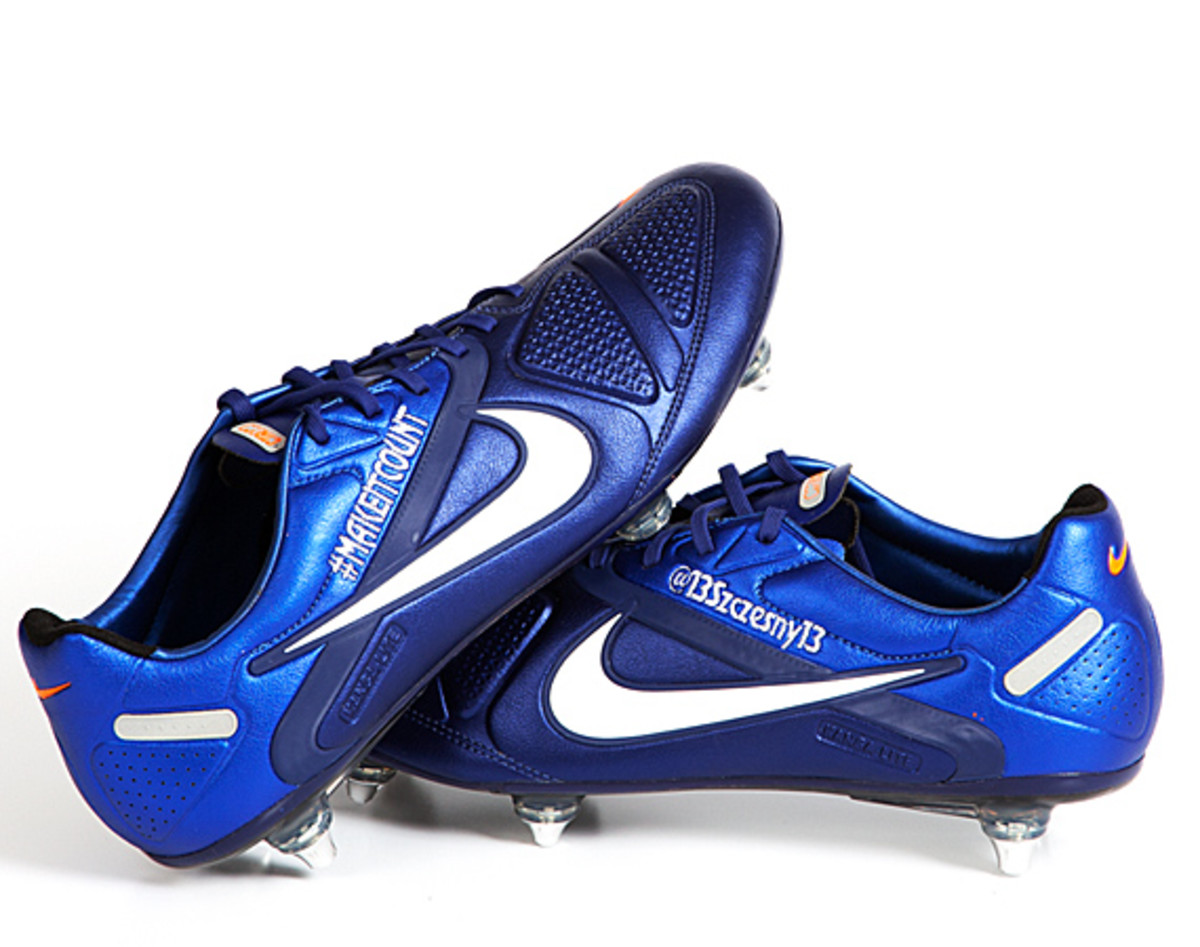 nike-soccer-make-it-count-boots-08