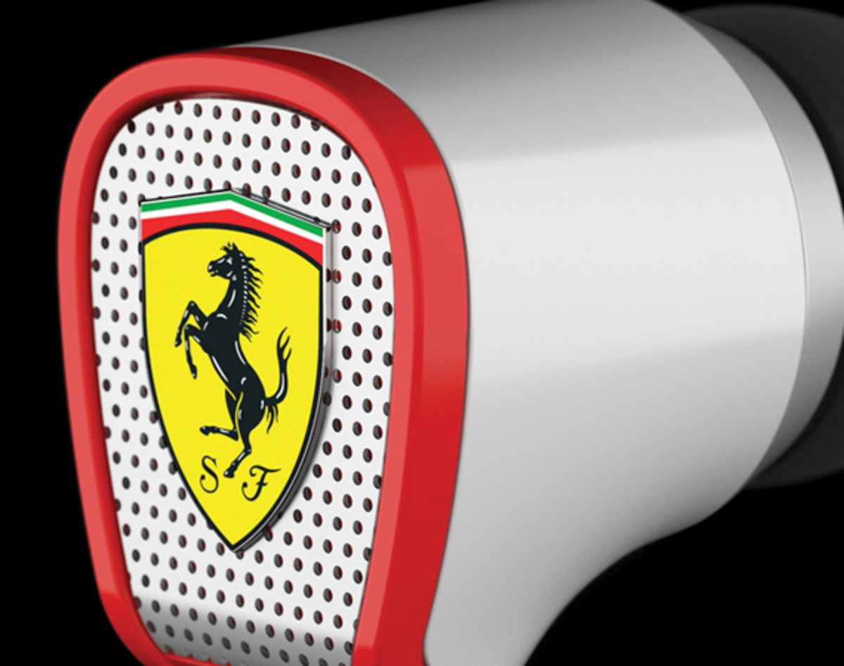 logic3-scuderia-ferrari-collection-r100-03