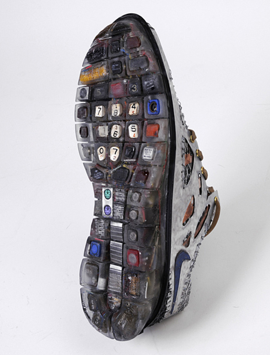 nike-free-time-y2k-junk-art-sculpture-gabriel-dishaw-05