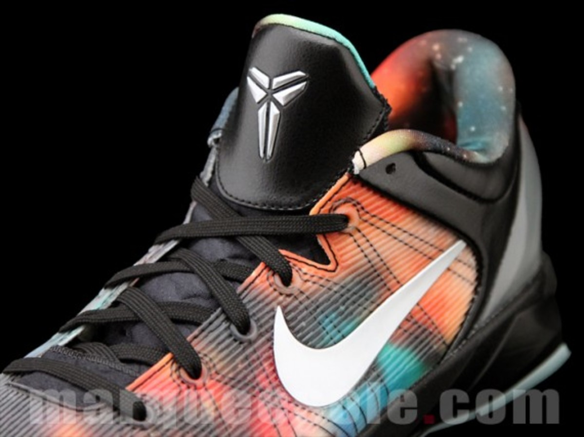 nike-zoom-kobe-vii-system-supreme-big-bang-08