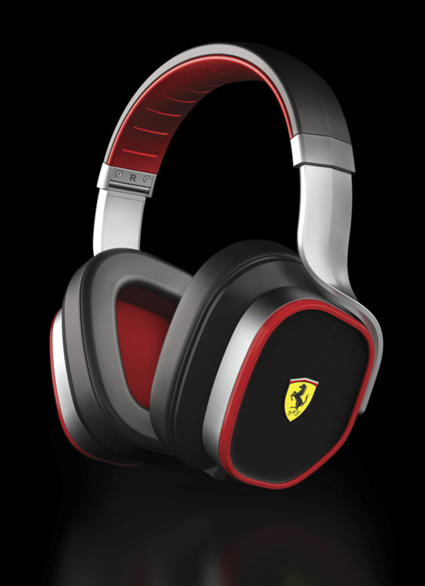logic3-scuderia-ferrari-collection-r300-03