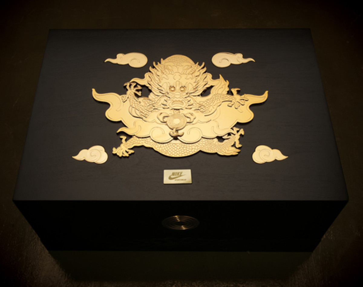 nike-air-force-1-year-of-the-dragon-packaging-01