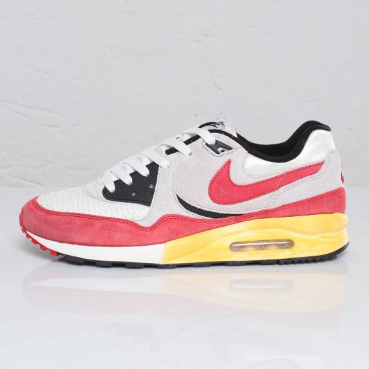 nike air max light vntg qs freshness mag. Black Bedroom Furniture Sets. Home Design Ideas