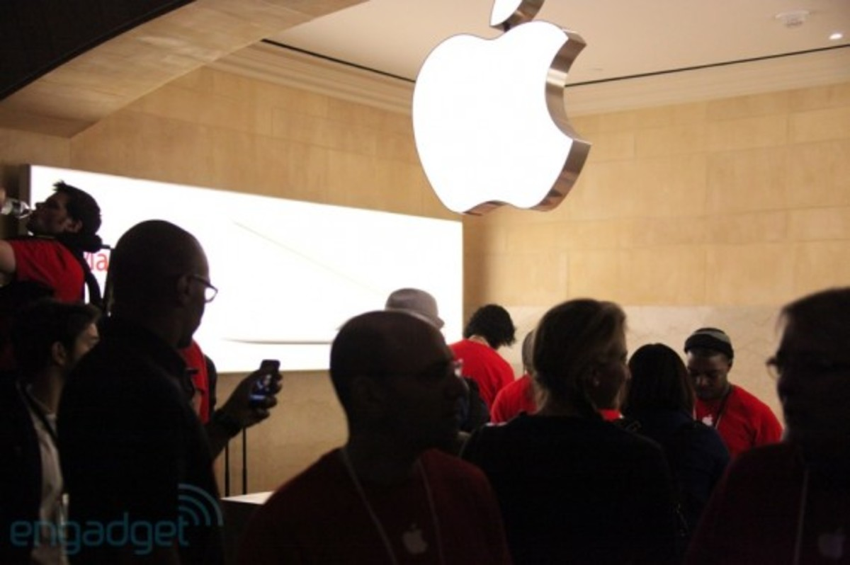 apple-store-grand-central-opening-recap-22