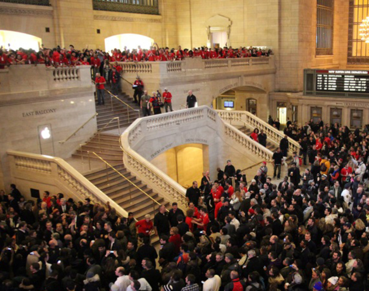apple-store-grand-central-opening-recap-00