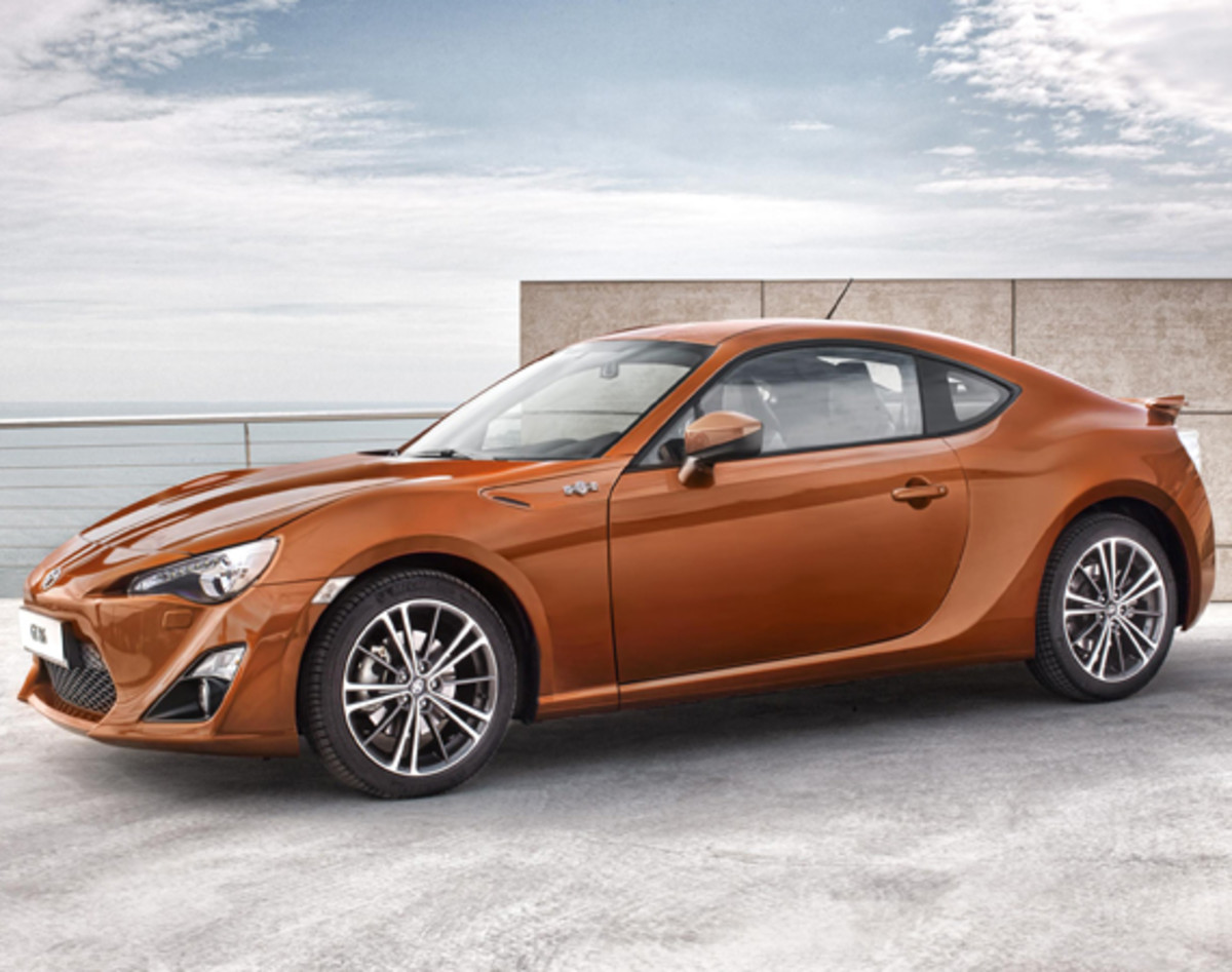 toyota-gt-86-officially-unveiled-05