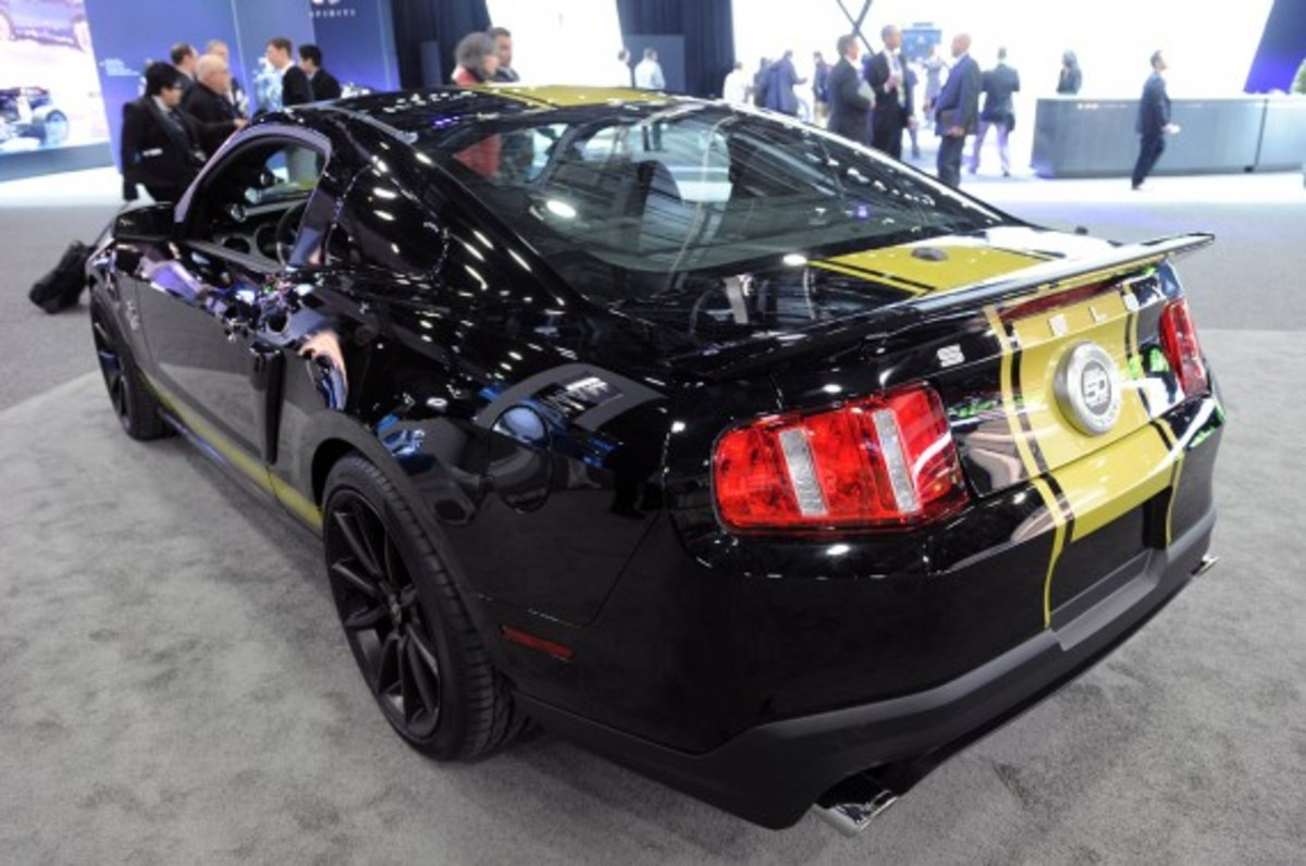 shelby-mustang-50th-anniversary-edition-02