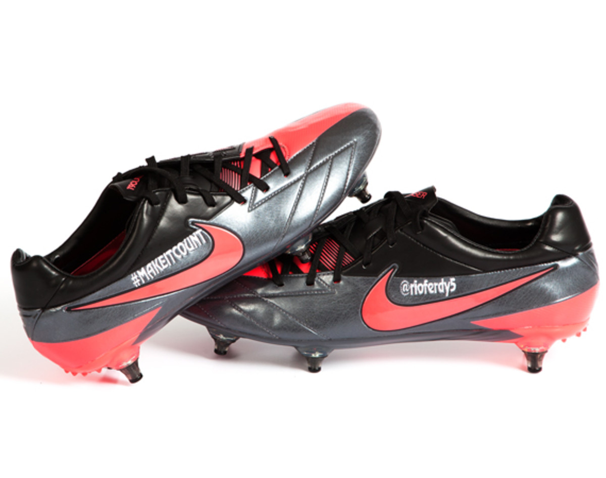 nike-soccer-make-it-count-boots-04