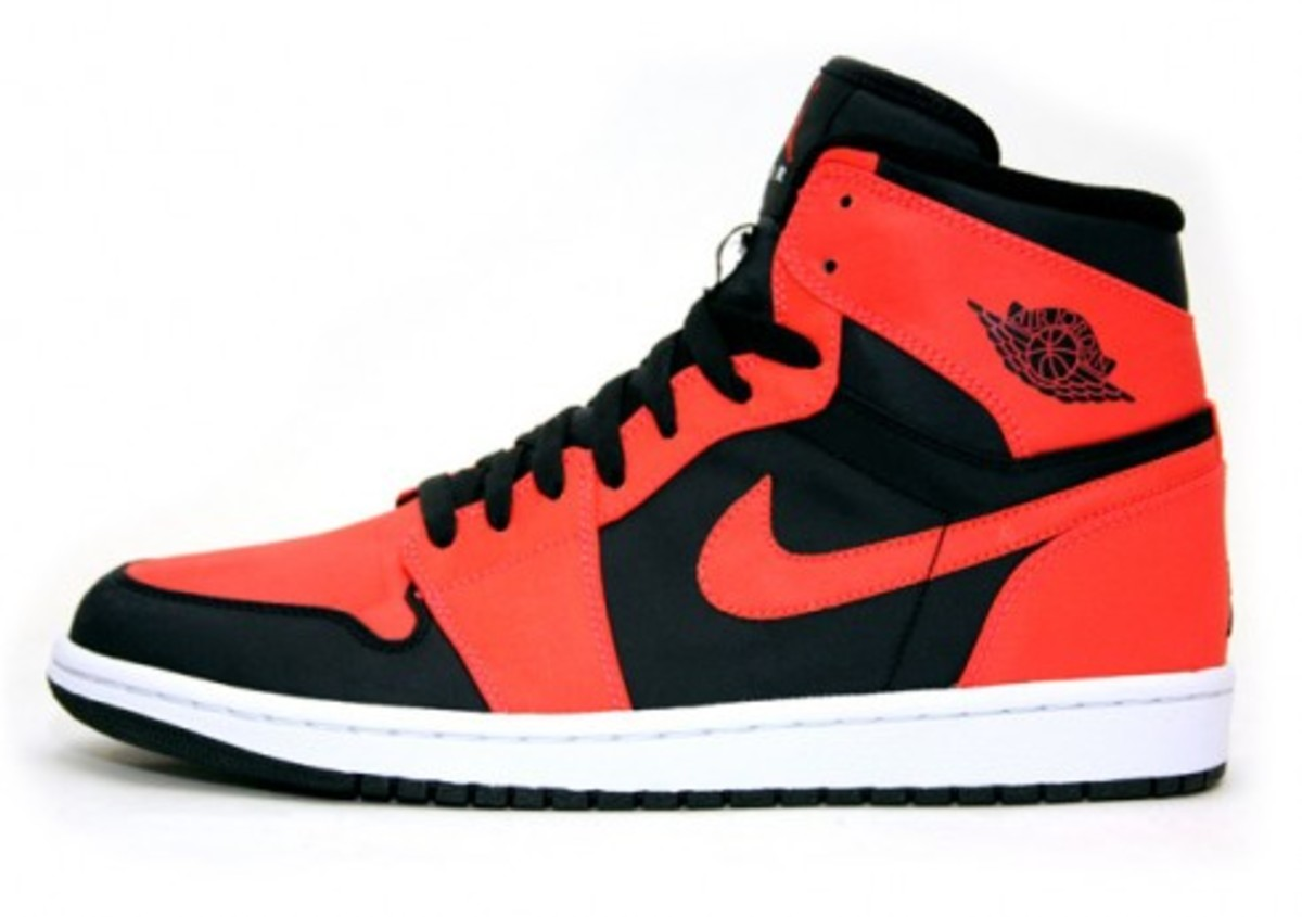 Air Jordan 1 Retro High - Black/Max Orange-White - 0