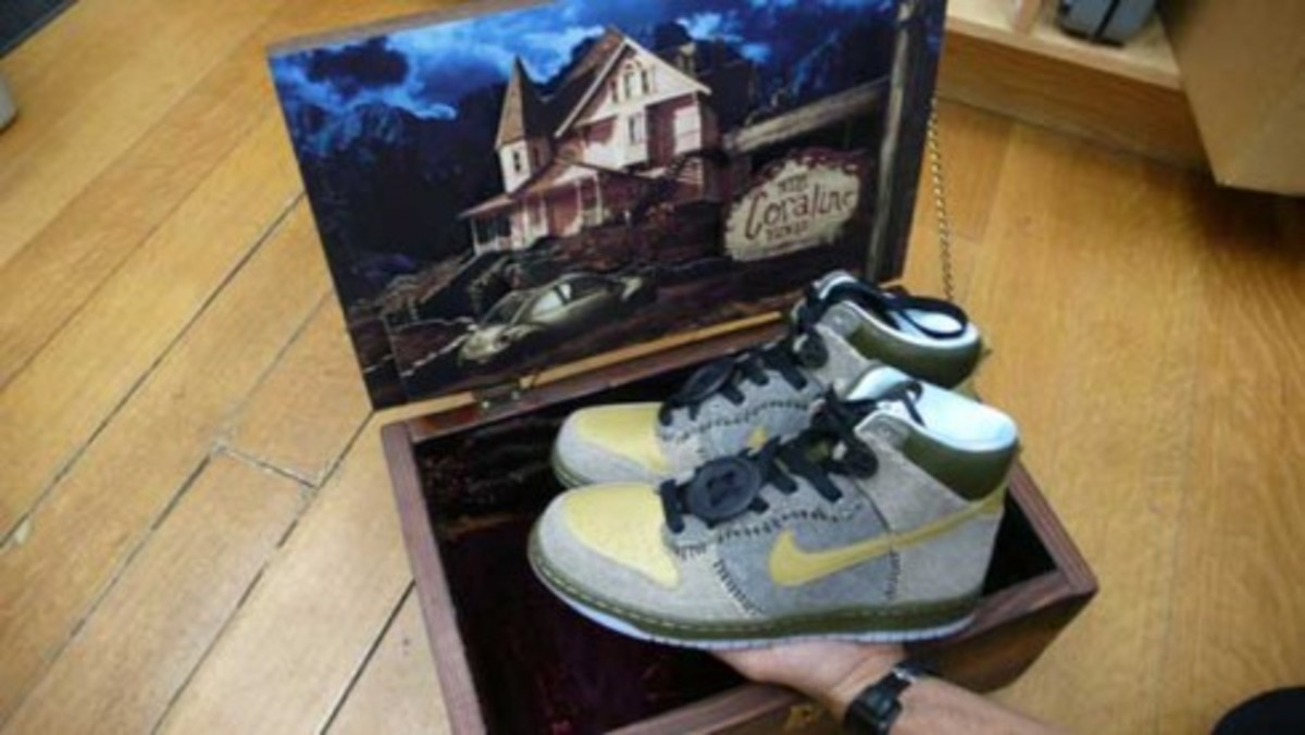 Nike x Coraline Dunk - Wooden Box Edition - 0
