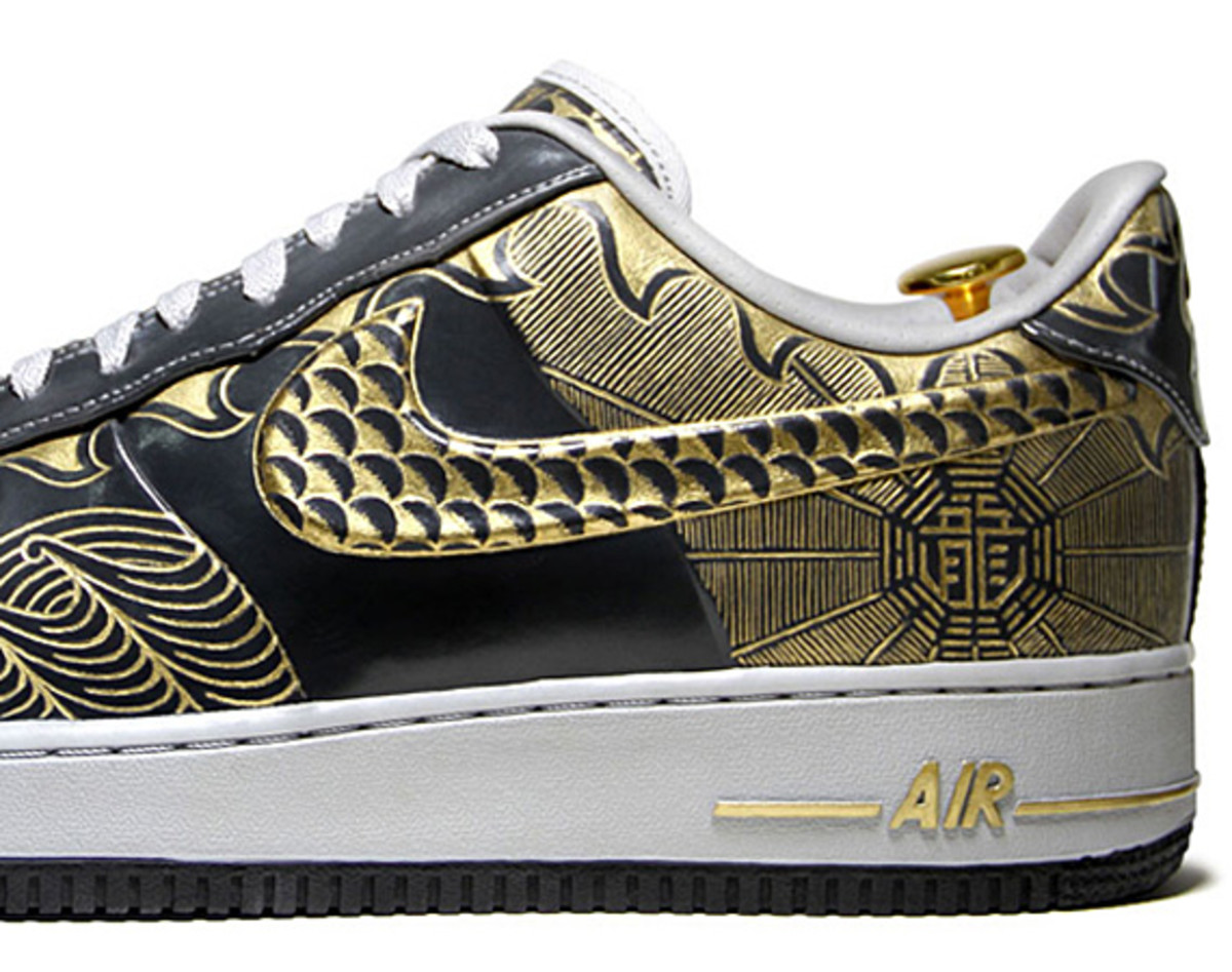 nike-air-force-1-30th-anniversary-year-of-dragon-gold-bespoke-zhijun-wang-06