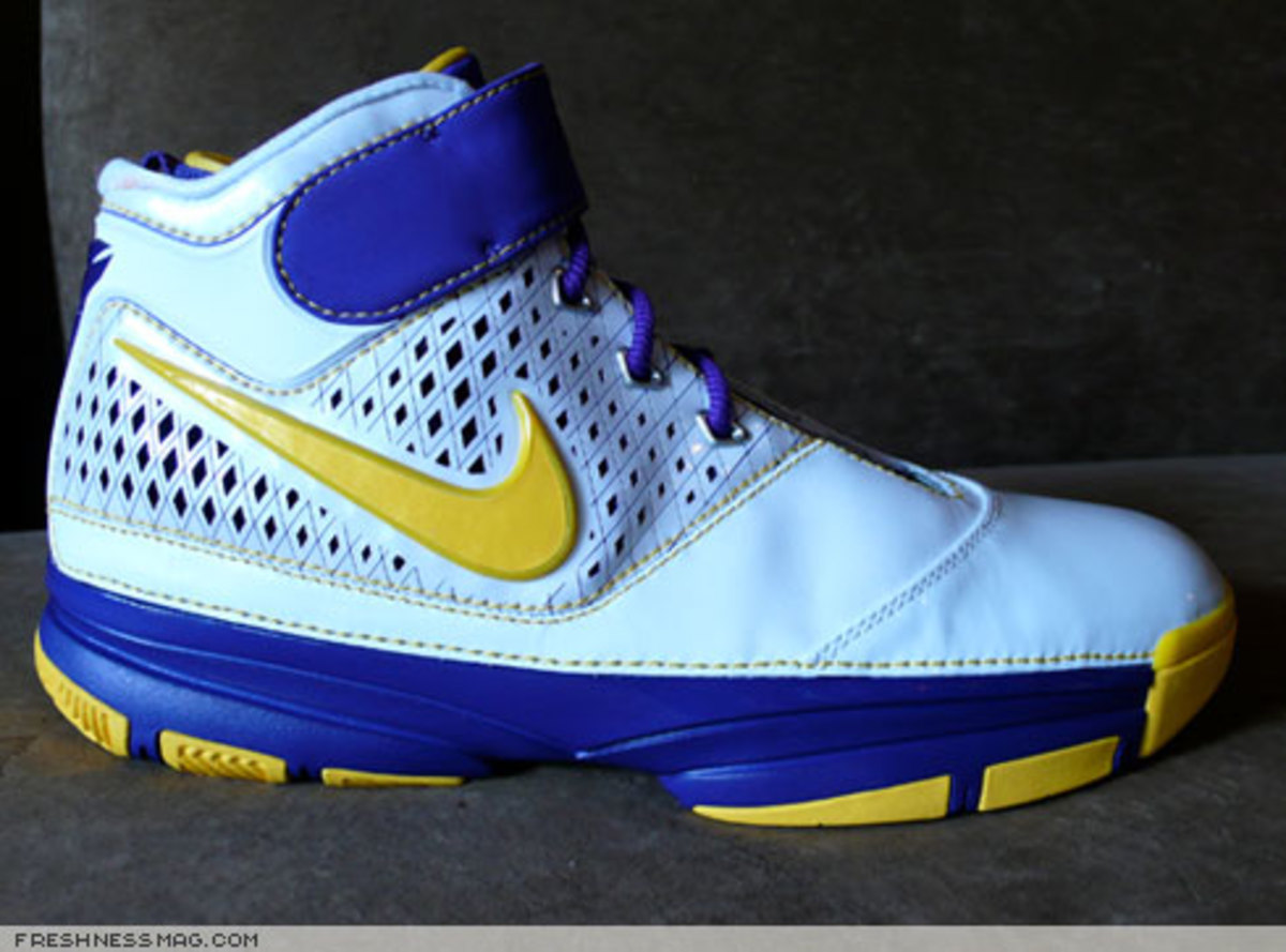 Nike  Zoom Kobe II (2)  - US + Asia Pacific Editions - 4