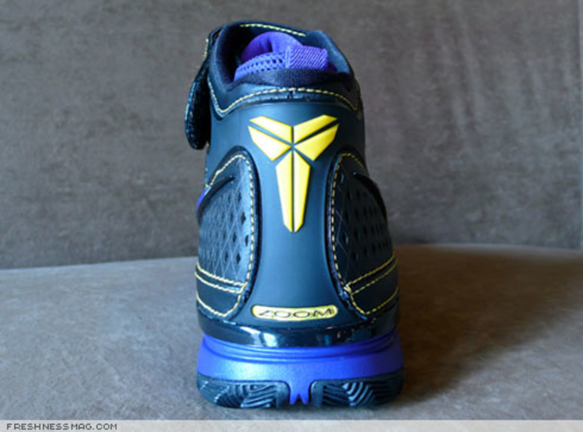 Nike  Zoom Kobe II (2)  - US + Asia Pacific Editions - 1