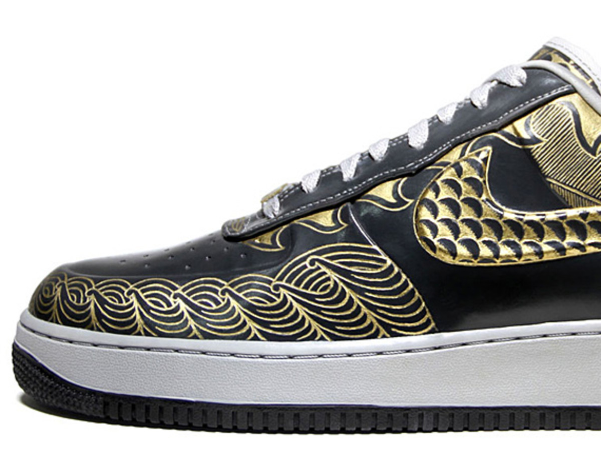 nike-air-force-1-30th-anniversary-year-of-dragon-gold-bespoke-zhijun-wang-05