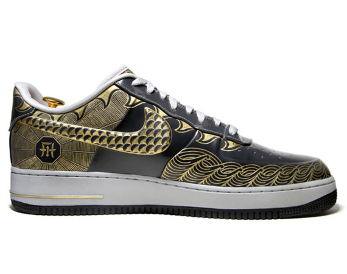 nike-air-force-1-30th-anniversary-year-of-dragon-gold-bespoke-zhijun-wang-04