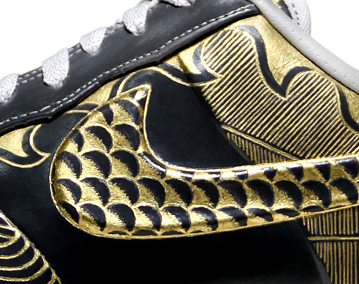 nike-air-force-1-30th-anniversary-year-of-dragon-gold-bespoke-zhijun-wang-10
