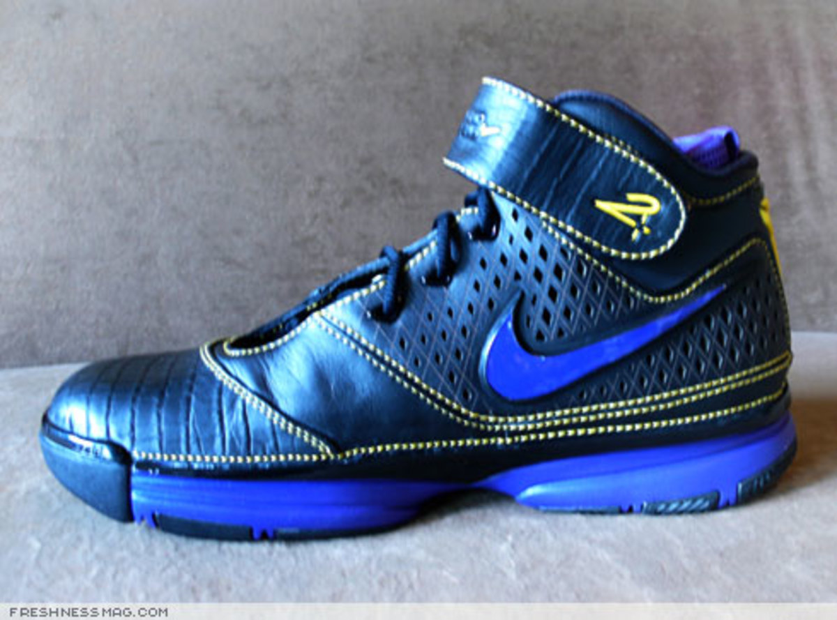 Nike  Zoom Kobe II (2)  - US + Asia Pacific Editions - 2